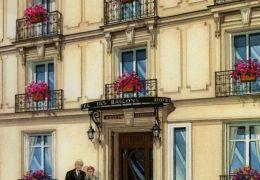Grand-Hotel-des-Balcons-copyright-2016-Richelle-Flecke